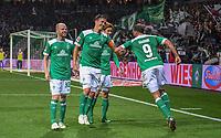 Fussball  1. Bundesliga  Saison 2018/2019  5. Spieltag  SV Werder Bremen - Hertha BSC Berlin     25.09.2018 Max Kruse (2.v.l) und Martin Harnik (re, beide SV Werder Bremen) wagen nach dem 3:1 ein Taenzchen DFL regulations prohibit any use of photographs as image sequences and/or quasi-video.