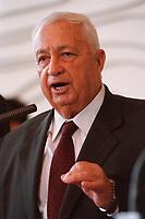 06.01.1999, Deutschland/Bonn:<br /> Ariel Sharon, Au&szlig;enminister Israel, w&auml;hrend einer Pressekonferenz anl&auml;&szlig;lich eines ersten Meinungsaustausches, Weltsaal, Ausw&auml;rtiges Amt<br /> Ariel Sharon, Minister for Foreign Affairs of Israel, during a press conference, Weltsaal, Ministry of Foreign Affairs<br /> IMAGE: 19990106-01/01-28