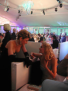 HOFIT GOLAN AND ANOUSKA DE GEORGIO. British Red Cross London Ball,- H20 the Element of Life held at the Room By the River. SE1. 17 November 2005. ONE TIME USE ONLY - DO NOT ARCHIVE  © Copyright Photograph by Dafydd Jones 66 Stockwell Park Rd. London SW9 0DA Tel 020 7733 0108 www.dafjones.com