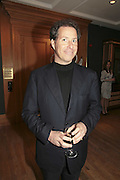 Viscount Linley, Reception and auction of Wildlife and Sporting Art in aid of the game Conservancy Trust. Christie's. King St. London W1. 12 December 2006. ONE TIME USE ONLY - DO NOT ARCHIVE  © Copyright Photograph by Dafydd Jones 248 CLAPHAM PARK RD. LONDON SW90PZ.  Tel 020 7733 0108 www.dafjones.com