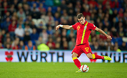 10.09.2013, Stamford Bridge, Cardiff, ENG, FIFA WM Qualifikation, Wales vs Serbien, Rueckspiel, im Bild Wales' Gareth Bale takes a free-kick against Serbia during the FIFA World Cup Qualifier second leg Match between Wales and Serbia at the Stamford Bridge stadium in Cardiff, Great Britain on 2013/09/10. EXPA Pictures © 2013, PhotoCredit: EXPA/ Propagandaphoto/ Alan Seymour<br /> <br /> ***** ATTENTION - OUT OF ENG, GBR, UK *****