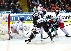 12.01.2020, Keine Sorgen Eisarena, Linz, AUT, EBEL, EHC Liwest Black Wings Linz vs EC Red Bull Salzburg, 39. Runde, im Bild v.l. Tormann Jean Philippe Lamoureux (Red Bull Salzburg), Rick Schofield (EHC Liwest Black Wings Linz), Mario Huber (EC Red Bull Salzburg), Brian Lebler (EHC Liwest Black Wings Linz), Dominique Heinrich (EC Red Bull Salzburg) // during the Erste Bank Eishockey League 39th round match between EHC Liwest Black Wings Linz and EC Red Bull Salzburg at the Keine Sorgen Eisarena in Linz, Austria on 2020/01/12. EXPA Pictures © 2020, PhotoCredit: EXPA/ Reinhard Eisenbauer