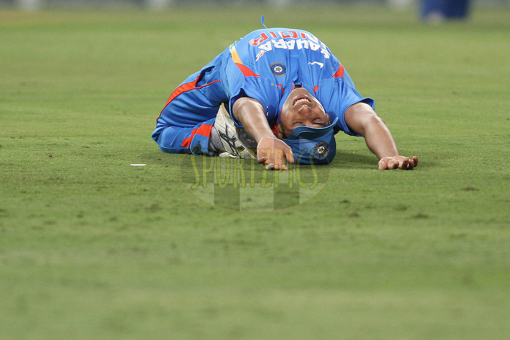 Ashish Nehra of India stretches during the 2nd ODI between South Africa and India held at Wanderers Stadium in Johannesburg, South Africa on the 15th January 2011..Photo by Shaun Roy/BCCI/SPORTZPICS