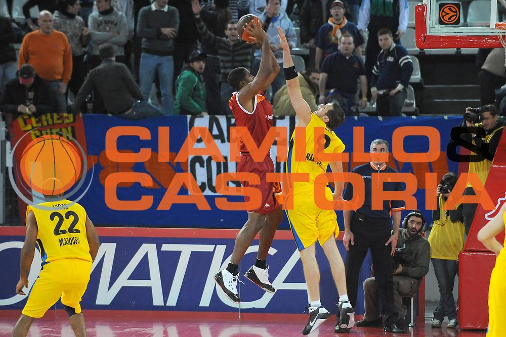 DESCRIZIONE : Roma Eurolega 2009-10 Lottomatica Virtus Roma Maroussi BC<br /> GIOCATORE : Andre Hutson<br /> SQUADRA : Lottomatica Virtus Roma<br /> EVENTO : Eurolega 2009-2010 <br /> GARA : Lottomatica Virtus Roma Maroussi BC<br /> DATA : 16/12/2009<br /> CATEGORIA : Tiro Controcampo<br /> SPORT : Pallacanestro <br /> AUTORE : Agenzia Ciamillo-Castoria/G.Ciamillo<br /> Galleria : Eurolega 2009-2010 <br /> Fotonotizia : Roma Eurolega 2009-2010 Lottomatica Virtus Roma Maroussi BC<br /> Predefinita :