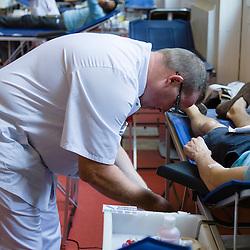 Centre de pr&eacute;l&egrave;vement temporaire du CTSA (Centre de transfusion sanguine des arm&eacute;es) install&eacute; dans le terminal Air France des Invalides pour permettre le don du sang au profit des soldats bless&eacute;s &agrave; l'occasion de la f&ecirc;te nationale.<br /> Juillet 2015/ Paris (75) / FRANCE