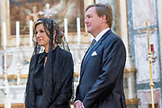 Staatsbezoek van Koning en Koningin aan de de Heilige Stoel in Vaticaanstad  /// State visit of King and Queen to the Holy See in Vatican City<br /> <br /> Op de foto / On the photo:  Koning Willem-Alexander en koningin Maxima brengen een bezoek aan de Kerk der Friezen tijdens hun staatsbezoek aan Vaticaanstad<br /> <br /> King Willem-Alexander and Queen Maxima visit the Church of the Frisians during their state visit to Vatican City