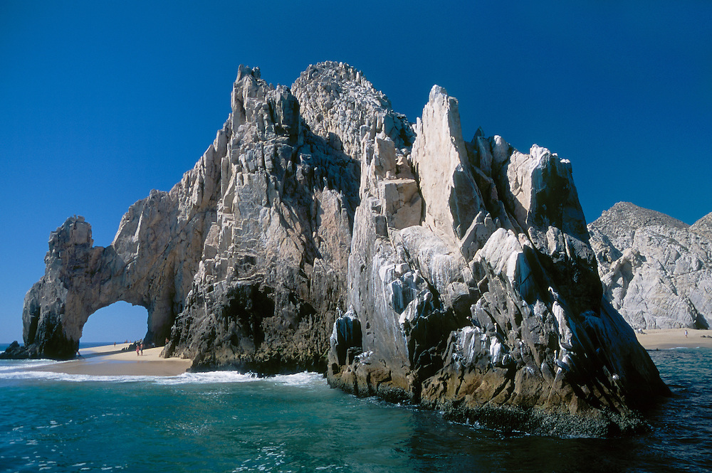 El Arco (The Arch), Land's End and Lover's Beach at the tip of the cape; Cabo San Lucas, Baja California Sur, Mexico.