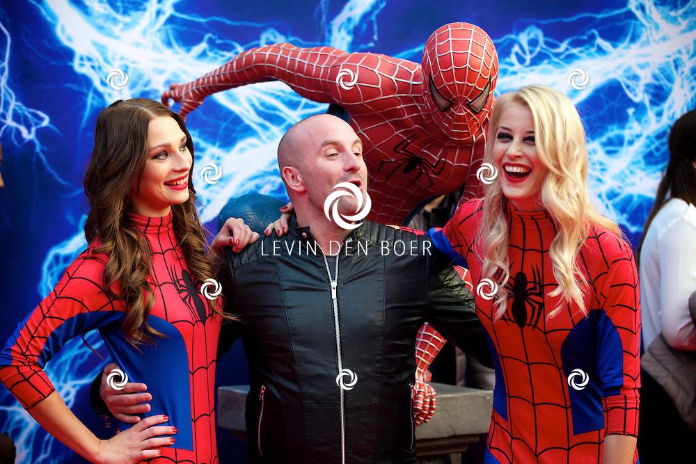 AMSTERDAM - Bij het Pathe ArenA Theater is de filmpremière van Spiderman II gehouden. Met hier op de foto  Dean Saunders. FOTO LEVIN DEN BOER - PERSFOTO.NU