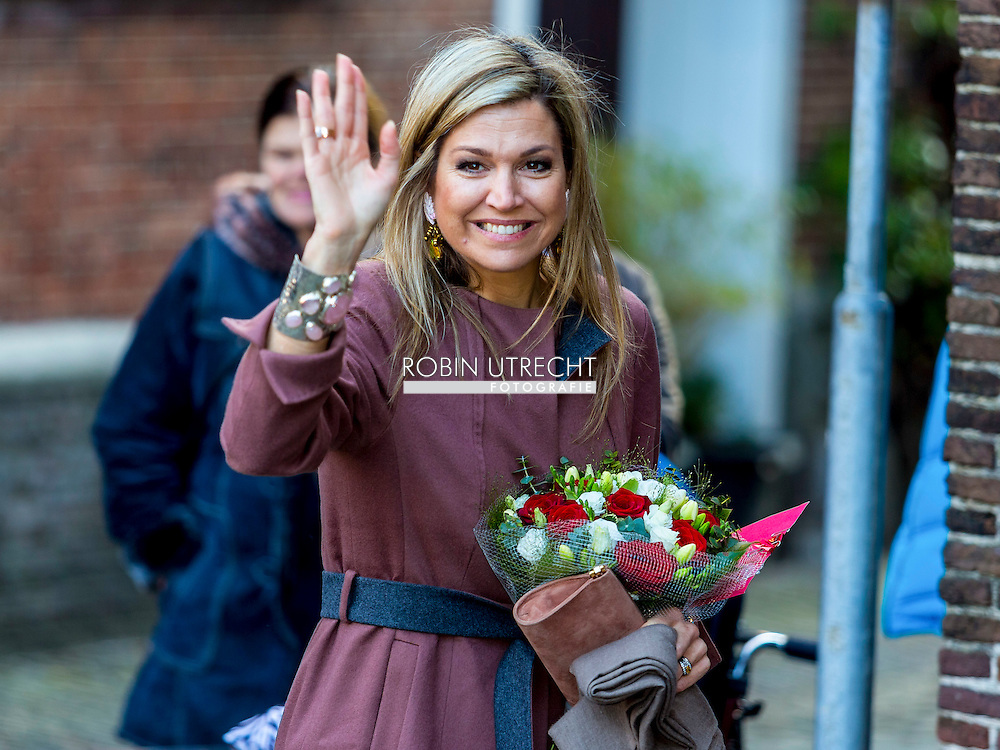17-2-2016 - LEIDEN Queen Maxima visiting debt relief Buddy Netherlands, a national organization that helps people who have got into financial trouble or at risk of exclusion. copyright Robin Utrecht<br /> 17-2-2016 - LEIDEN Koningin Maxima brengt een bezoek aan SchuldHulpMaatje Nederland, een landelijke vereniging die mensen helpt die in financi&euml;le problemen zijn geraakt of dreigen te raken. copyright Robin Utrecht