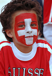 23-06-2006 VOETBAL: FIFA WORLD CUP: ZWITSERLAND - ZUID KOREA: HANNOVER <br /> Korea wordt met 2-0 verslagen door Zwitserland en is uitgeschakeld / Publiek, toeschouwers, support<br /> ©2006-WWW.FOTOHOOGENDOORN.NL