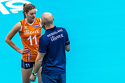 15-10-2018 JPN: World Championship Volleyball Women day 16, Nagoya<br /> Netherlands - USA 3-2 / Anne Buijs #11 of Netherlands, Coach Jamie Morrison of Netherlands