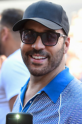 © Licensed to London News Pictures. 05/08/2018. LONDON, UK. Jeremy Piven, actor, joins the other entrants. Gumball 3000, a charity rally for supercars and more, including celebrity entrants, begins in Covent Garden with 150 participants beginning their journey from London to Tokyo.  Photo credit: Stephen Chung/LNP