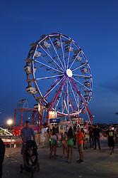 07 August 2015:   McLean County Fair - Sizzler & Ferris Wheel