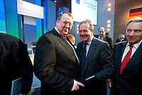 12 JAN 2009, KOELN/GERMANY:<br /> Peter Heesen (L), Bundesvorsitzender dbb, und Frank Bsirske (R), Bundesvorsitzender ver.di, im Gespraech, 50. Gewerkschaftspolitische Arbeitstagung des Deutschen Beamtenbundes, dbb, Messe Koeln<br /> IMAGE: 20090112-01-173<br /> KEYWORDS: Gespräch