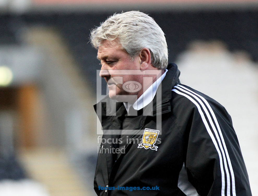 Picture by Richard Gould/Focus Images Ltd +44 7855 403186.03/11/2012.Steve Bruce manager of Hull City during the npower Championship match at the KC Stadium, Kingston upon Hull.