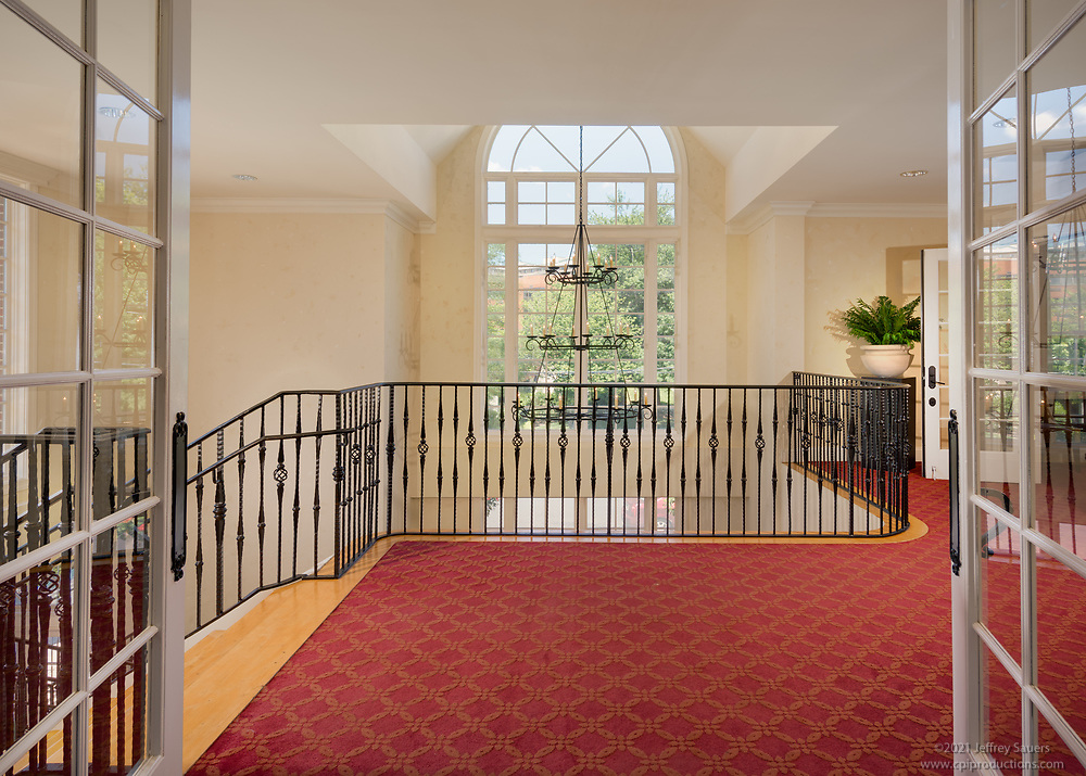 Interior Design image of the Park at Arlington Ridge Apartments in Virginia by Jeffrey Sauers of Commercial Photographics, Architectural Photo Artistry in Washington DC, Virginia to Florida and PA to New England