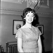 24/01/1962.01/24/1962.24 January 1962.Inter-University Debating Competition held at Trinity College Dublin..Miss Anita Lynch of Omagh, a speaker at the debate.