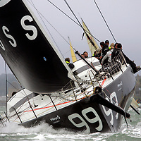 Alex Thomson, Ben Ainsley, Lewis hamilton, Hugo Boss, J P Morgan, Round The Island Race, Start, Cowes, isle of Wight, England, UK