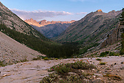 Sunrise view over Palisade Creek Valley with the Devil's Crags in the background. John Muir Trail/Pacific Crest Trail; Sequoia Kings Canyon Wilderness; Kings Canyon National Park; Sierra Nevada Mountains, California, USA.