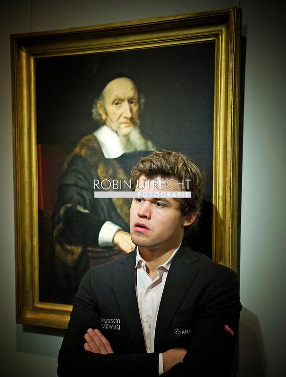 eigen 25-01-2017 SCHAKEN: TATA STEEL CHESS PHILHARMONIE: FRANS HALS MUSEUM: HAARLEM<br /> Magnus Carlsen   in het frans halsmuseum  COPYRGHT ROBIN UTRECHT