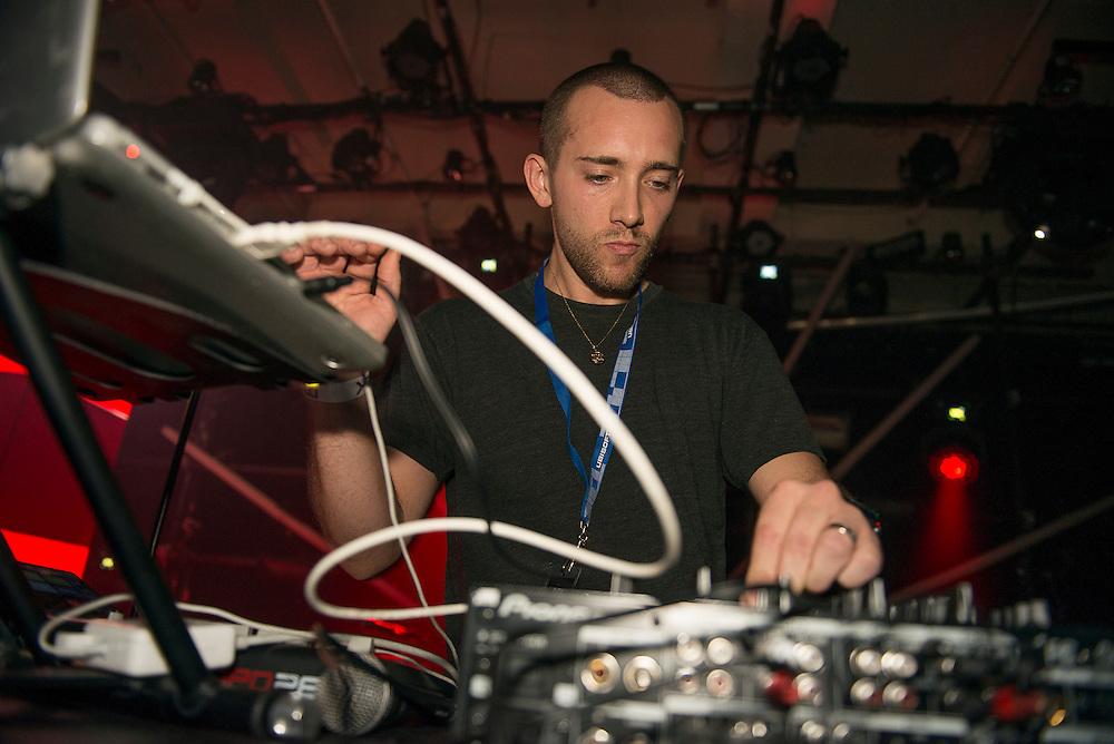 Salva (US), Nocturne 2, Société des arts technologiques [SAT], Montreal, 31 mai 2012