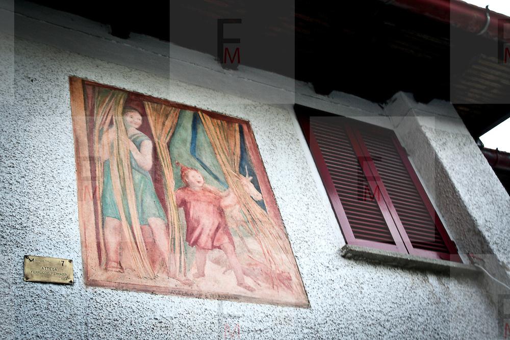 """Arcumeggia il paese dipinto in provincia di Varese. """"Attesa"""" di Ferruccio Ferrazzi"""