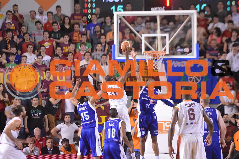 DESCRIZIONE : Roma Lega A 2012-2013 Acea Roma Lenovo Cantu playoff semifinale gara 7<br /> GIOCATORE : Jordan Taylor<br /> CATEGORIA : Tiro Controcampo Sequenza<br /> SQUADRA : Acea Roma<br /> EVENTO : Campionato Lega A 2012-2013 playoff semifinale gara 7<br /> GARA : Acea Roma Lenovo Cantu<br /> DATA : 06/06/2013<br /> SPORT : Pallacanestro <br /> AUTORE : Agenzia Ciamillo-Castoria/GiulioCiamillo<br /> Galleria : Lega Basket A 2012-2013  <br /> Fotonotizia : Roma Lega A 2012-2013 Acea Roma Lenovo Cantu playoff semifinale gara 7<br /> Predefinita :