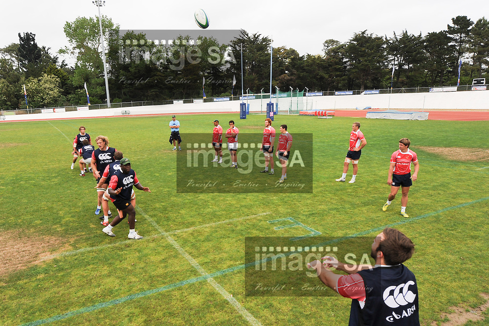 LES SABLES D' OLONNE, FRANCE - JUNE 11: Jacques Du Toit throws the ball into the line out  during the South African U/20 training session at Stade les Sables d' Olonne on June 11, 2013 in les Sables d' Olonne, France. (Photo by Roger Sedres/Gallo Images)