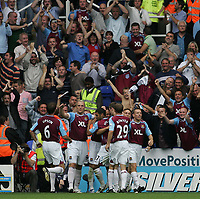 Photo: Lee Earle.<br /> Reading v West Ham United. The FA Barclays Premiership. 01/09/2007.West Ham's Matthew Etherington is congratulated after scoring their second.