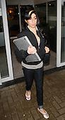 EDBIMAGEARCHIVE-DBJG-AMY WINEHOUSE LEAVING NOVOTEL HOTEL IN MILTON KEYNES-7 PICS-20-01-2010