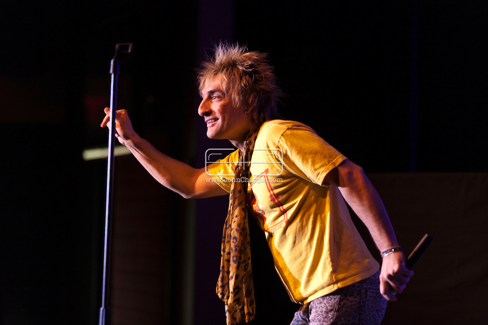 24th February 2011. Las Vegas, Nevada.  Celebrity Impersonators from around the globe were in Las Vegas for the 20th Annual Reel Awards Show. Pictured 45 year-old Vic Vega as Rod Stewart. Photo © John Chapple / www.johnchapple.com..