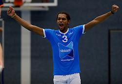 12-01-2013 VOLLEYBAL: SSS - AMBIANT LYCURGUS: BARNEVELD<br /> Lycurgus wint met 3-1 van SSS / Edson Felicissimo<br /> &copy;2013-FotoHoogendoorn.nl