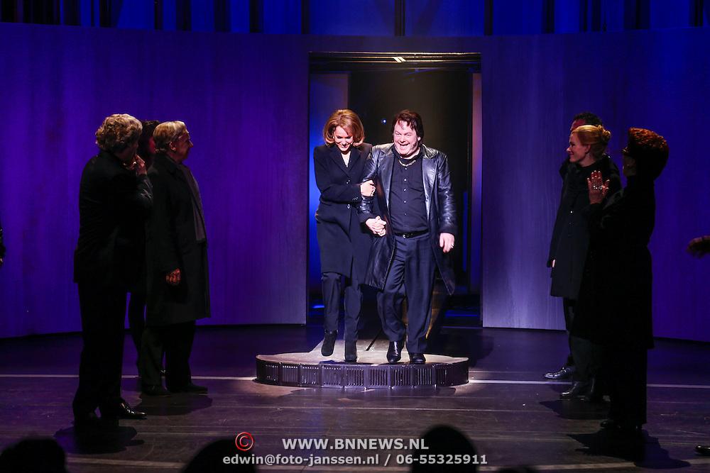 NLD/Amsterdam/20130120 - Premiere Hij Gelooft in mij met Hadewich Minis, cast,