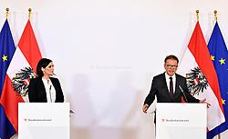 24.03.2020, Wien, AUT, Coronaviruskrise, Österreich, Pressekonferenz, Sicherstellung der Pflege und Altenbetreuung, im Bild (v.l.), Zivildienstmin. Elisabeth Köstinger (ÖVP), Gesundheitsminister Rudolf Anschober (Grüne) // during a press conference of Austrian Goverment about the Coronavirus Pandemie in Wien, Austria on 2020/03/24. EXPA Pictures © 2020, PhotoCredit: EXPA/ Hans Punz/APA-POOL