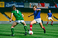 Colin Crawford, footballer, Linfield FC, Belfast, N Ireland, UK, on the attack in a game against another Belfast club, Glentoran FC. 19850811004..Copyright Image from Victor Patterson, 54 Dorchester Park, Belfast, UK, BT9 6RJ..Tel: +44 28 9066 1296.Mob: +44 7802 353836.Voicemail +44 20 8816 7153.Skype: victorpattersonbelfast.Email: victorpatterson@mac.com.Email: victorpatterson@ireland.com (back-up)..IMPORTANT: If you wish to use this image or any other of my images please go to www.victorpatterson.com and click on the Terms & Conditions. Then contact me by email or phone with the reference number(s) of the image(s) concerned.