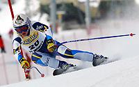 Alpint: 22.12.2001 St.Moritz, Schweiz,<br />Die Italienerin Karen Putzer am Samstag (22.12.2001) beim Ski Alpin Weltcup Super-G der Damen im schweizerischen St.Moritz.<br /><br />Foto. Digitalsport