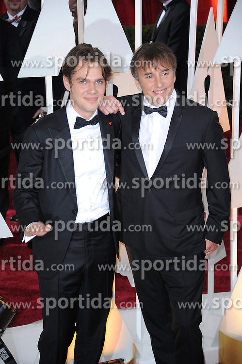 22.02.2015, Dolby Theatre, Hollywood, USA, Oscar 2015, 87. Verleihung der Academy of Motion Picture Arts and Sciences, im Bild Ellar Coltrane &amp; Richard Linklater // attends 87th Annual Academy Awards at the Dolby Theatre in Hollywood, United States on 2015/02/22. EXPA Pictures &copy; 2015, PhotoCredit: EXPA/ Newspix/ PGMP<br /> <br /> *****ATTENTION - for AUT, SLO, CRO, SRB, BIH, MAZ, TUR, SUI, SWE only*****