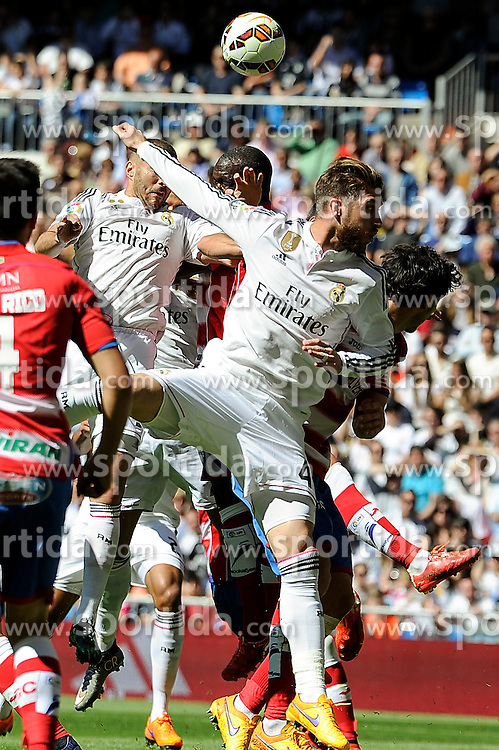 05.04.2015, Estadio Santiago Bernabeu, Madrid, ESP, Primera Division, Real Madrid vs FC Granada, 29. Runde, im Bild Real Madrid&acute;s Sergio Ramos // during the Spanish Primera Division 29th round match between Real Madrid CF and Granada FC at the Estadio Santiago Bernabeu in Madrid, Spain on 2015/04/05. EXPA Pictures &copy; 2015, PhotoCredit: EXPA/ Alterphotos/ Luis Fernandez<br /> <br /> *****ATTENTION - OUT of ESP, SUI*****