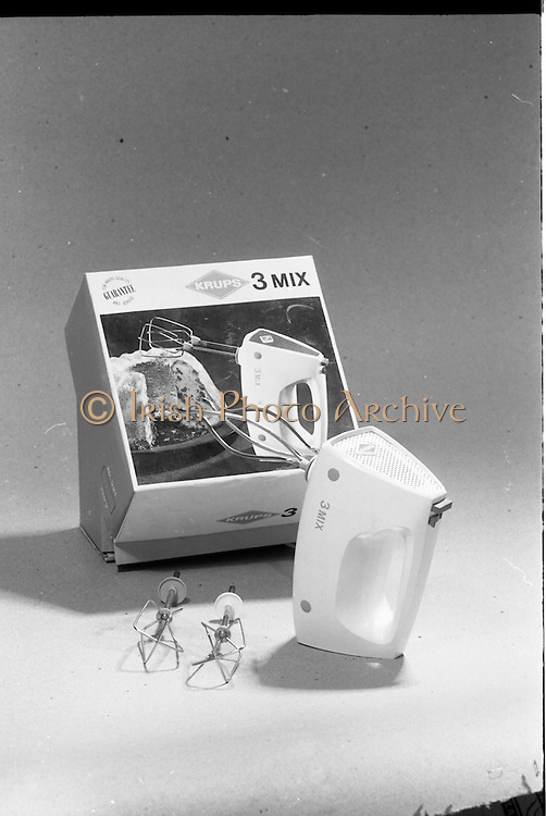 20-25/05/1966<br /> 05/20-25/1966<br /> 20-25 May 1966<br /> Competition prizes photographed at Lensmen Studio for Esso (Ireland) Ltd. Krups 3Mix 3 speed mixer.