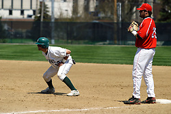 21 April 2007: Josh Bidzinski takes a lead from 1st as 1st baseman Chris Sajdak prepares for a pickoff attempt.  Carthage College loses the first game of a double header by a score of 5-2 against the Illinois Wesleyan Titans.
