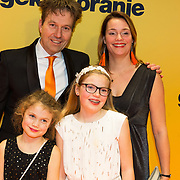 NLD/Amsterdam/20180212 - Premiere Gek op Oranje, Pim van Hoeve en partner, kinderen