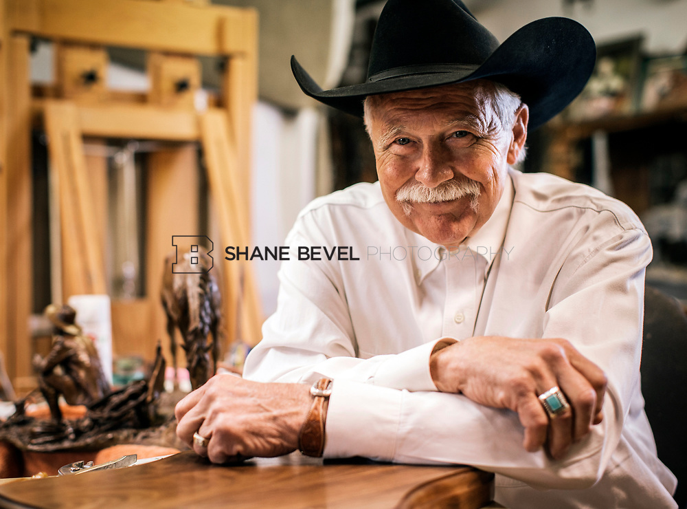 4/24/17 3:12:56 PM -- Portraits of Harold Holden, Oklahoma painter and sculptor.<br /> <br /> Photo by Shane Bevel