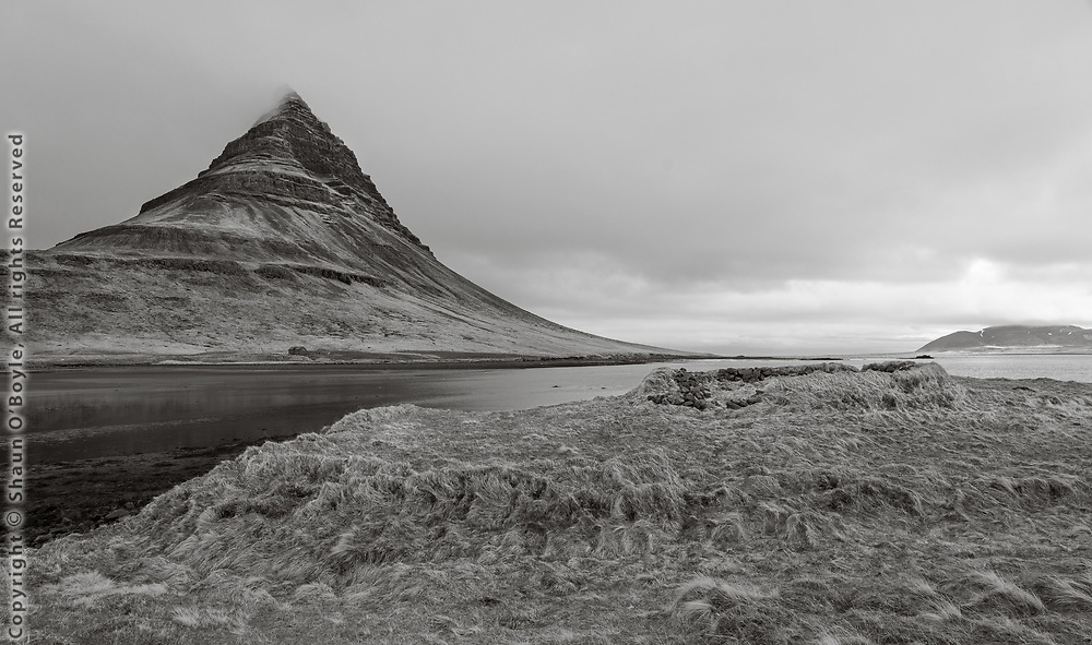 Kirkjufell and ruin