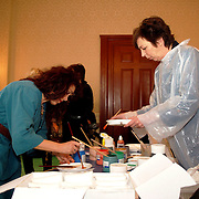NLD/Amsterdam/20060209 - Bekende Nederlanders schilderen voor de Stichting Lezen en Schrijven, Rosita Steenbeek en Renate Dorrestein