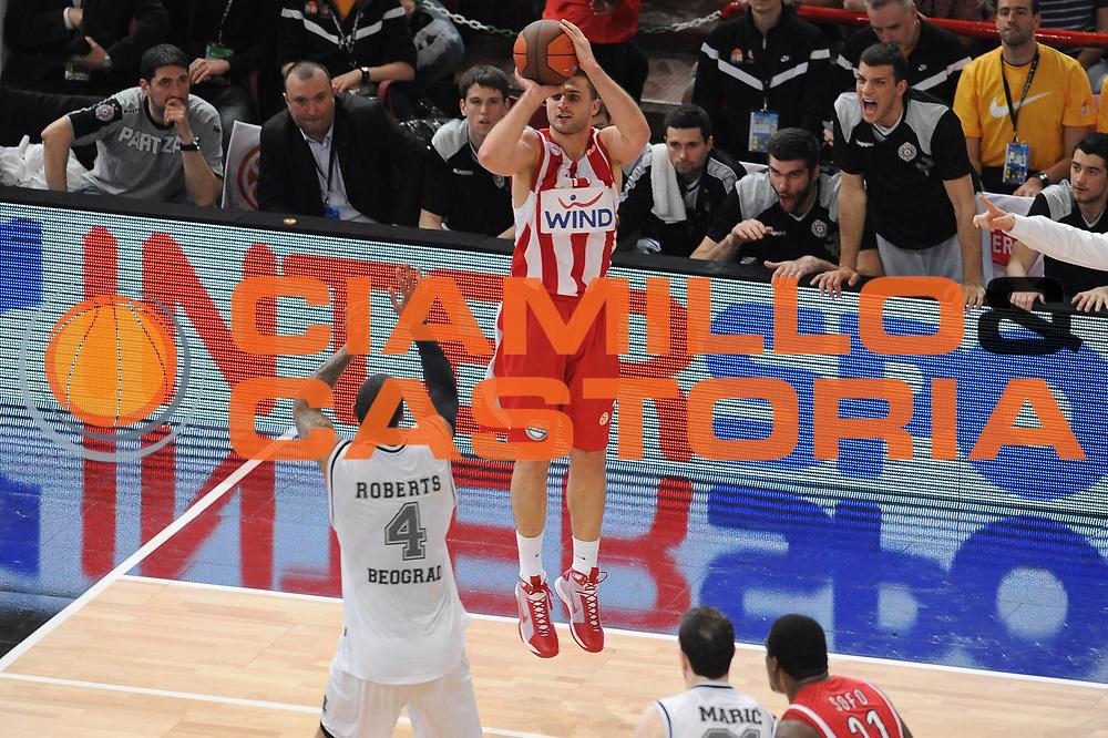 DESCRIZIONE : Parigi Paris Eurolega Eurolegue 2009-10 Final Four Semifinale Semifinal Partizan Belgrado Olympiacos Pireo Atene<br /> GIOCATORE : Linas Kleiza <br /> SQUADRA : Olympiacos Pireo Atene<br /> EVENTO : Eurolega 2009-2010 <br /> GARA : Partizan Belgrado Olympiacos Pireo Atene<br /> DATA : 07/05/2010 <br /> CATEGORIA : tiro three points<br /> SPORT : Pallacanestro <br /> AUTORE : Agenzia Ciamillo-Castoria/GiulioCiamillo<br /> Galleria : Eurolega 2009-2010 <br /> Fotonotizia : Parigi Paris Eurolega Euroleague 2009-2010 Final Four Semifinale Semifinal Partizan Belgrado Olympiacos Pireo Atene<br /> Predefinita :