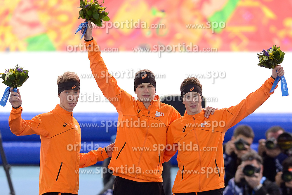 08-02-2014 SCHAATSEN: OLYMPIC GAMES: SOTSJI<br /> Het eerste GOUD, ZILVER EN BRONS zijn binnen! Sven Kramer, Jan Blokhuijsen en Jorrit Bergsma pakken de medailles op de 5000 meter<br /> ©2014-FotoHoogendoorn.nl<br />  / Sportida