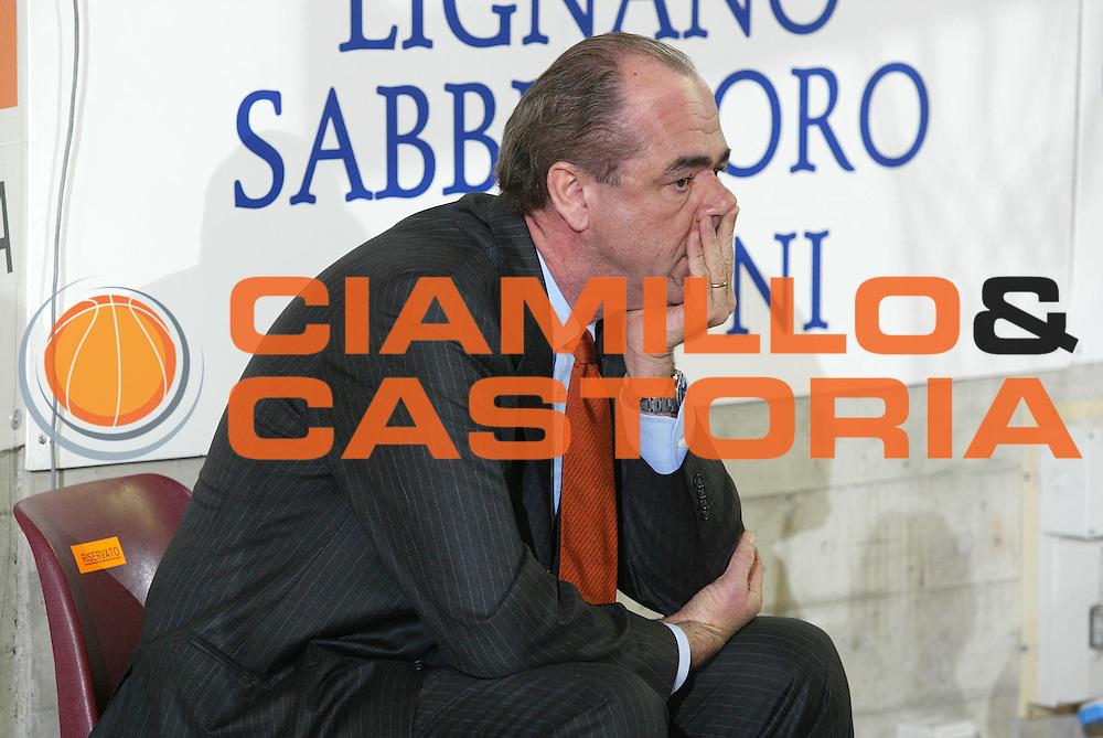 DESCRIZIONE : UDINE CAMPIONATO LEGA A1 2005-2006 <br /> GIOCATORE : GHIACCI <br /> SQUADRA : SNAIDERO UDINE <br /> EVENTO : CAMPIONATO LEGA A1 2005-2006 <br /> GARA : SNAIDERO UDINE-NAVIGO.IT TERAMO <br /> DATA : 04/11/2005 <br /> CATEGORIA : <br /> SPORT : Pallacanestro <br /> AUTORE : Agenzia Ciamillo-Castoria
