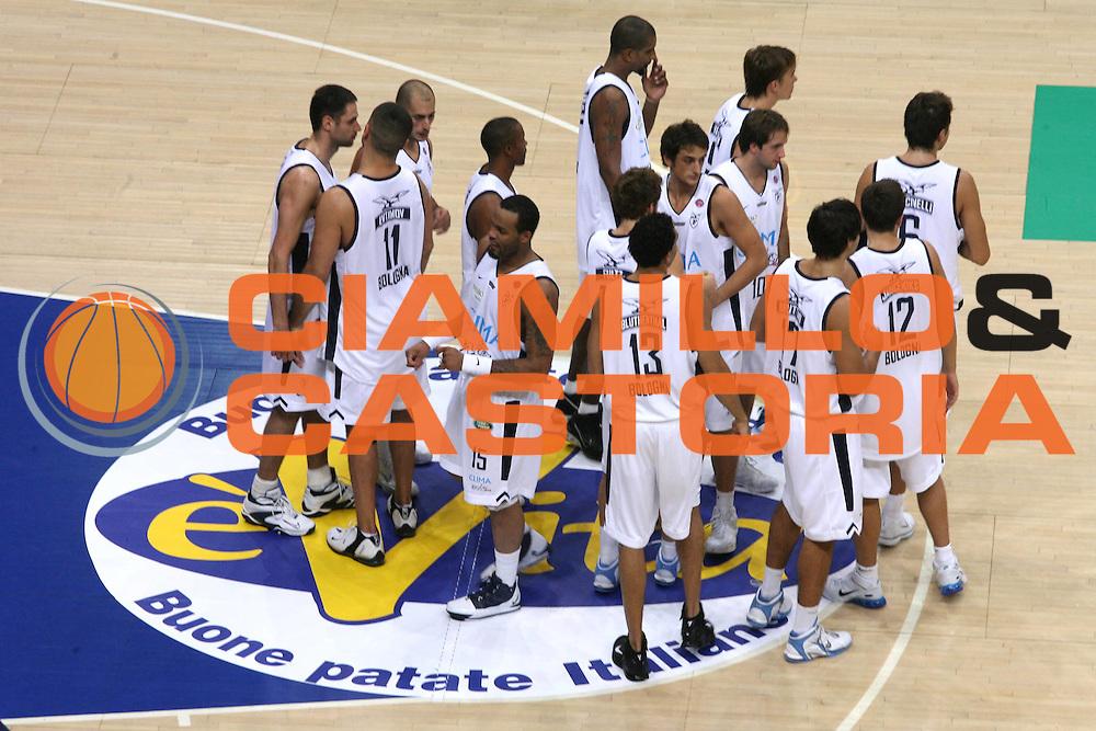 DESCRIZIONE : Bologna Precampionato Lega A1 2006 2007 Trofeo Carisbo <br /> Climamio Fortitudo Bologna VidiVici Virtus Bologna <br /> GIOCATORE : Team Fortitudo Bologna <br /> SQUADRA : Climamio Fortitudo Bologna <br /> EVENTO : Precampionato Lega A1 2006 2007 Trofeo Carisbo Climamio <br /> Fortitudo Bologna VidiVici Virtus Bologna <br /> GARA : Climamio Fortitudo Bologna VidiVici Virtus Bologna <br /> DATA : 26/09/2006 <br /> CATEGORIA : Ritratto <br /> SPORT : Pallacanestro <br /> AUTORE : Agenzia Ciamillo-Castoria/G.Ciamillo