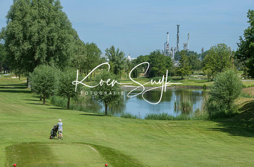 BRIELLE -  Tee hole 16 , Kleiburg , golfbaan.  COPYRIGHT KOEN SUYK
