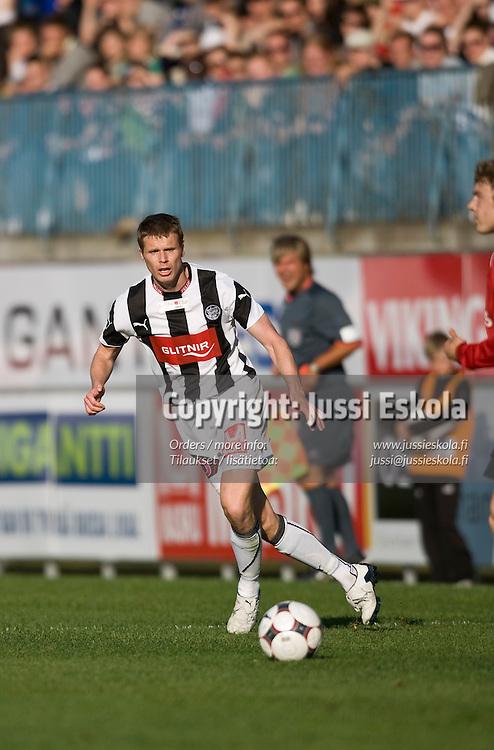 Urmas Rooba. TPS - Inter. Veikkausliiga 4.5.2008. Turku. Photo: Jussi Eskola